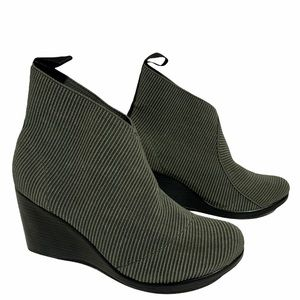 Gray San Miguel elastic wedge ankle boot size 8